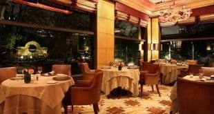 رستوران آکانتو میلان