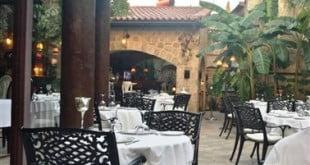 رستوران سراسر فاین داینینگ آنتالیا