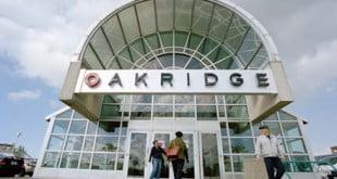 مرکز خرید oakridge center ونکوور