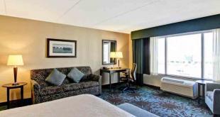 هتل همپتون این بائ هیلتون تورنتو,خدمات هتل همپتون این بائ هیلتون تورنتو,امکانات هتل همپتون این بائ هیلتون تورنتو