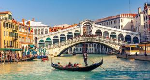 پل ریالتو,پل ریالتو در ونیز,گردشگری در ونیز,جاذبه های گردشگری ونیز,دیدنی های ونیز,سفر به ونیز,مناطق تاریخ وطبیعی ونیز