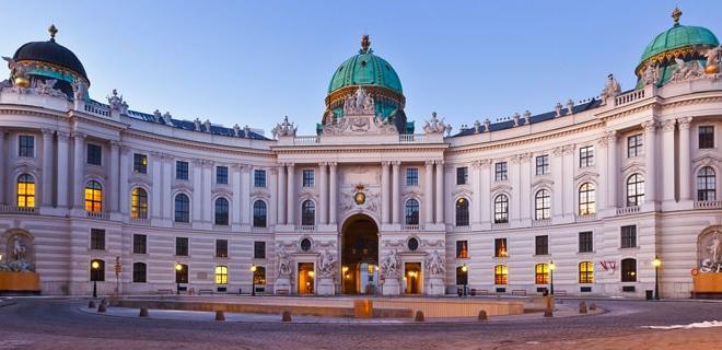 کاخ هافبورگ,کاخ سلطنتی هافبورگ,کاخ هافبورگ اتریش,درباره کاخ هافبورگ,تاریخچه کاخ هافبورگ,بناهای تاریخی اتریش,تاریخ اتریش,کاخ های اتریش