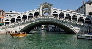 پل معروف ریالتو در ونیز,پل معروف ریالتو,مکان های گردشگری ونیز ایتالیا,معماری پل ریالتو در ایتالیا,ونیز ایتالیا,نام های پل ریالتو