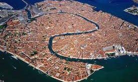 گذشته ی شهر ونیز,ماهیگرانی در ونیز ایتالیا,امرار معاش در ونیز ایتالیا,سرزمین اصلی مثل ورونا و پادووا,ساخت شهر ونیز در ایتالیا