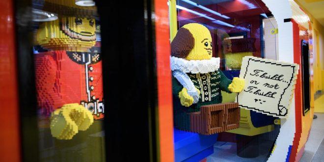 فروشگاه لگو لندن,فروشگاه لگو در لندن,عروسک های لگو در فروشگاه لگو لندن,سازه برج بیگ بن در فروشگاه لگو لندن,اجرهای لگو,قطار مترو لندن در فروشگاه لگو لندن
