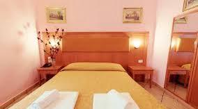 هتل برینزا در میلان,هتل برینزا,هتل برینزا میلان ایتالیا,امکانات هتل برینزا در میلان,اتاق های هتل برینزا در میلان ایتالیا,خدمات هتل برینزا