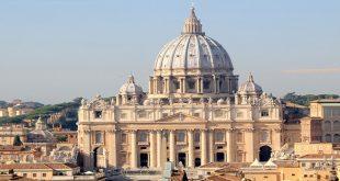 کلیسای سن پیتر در رم,کلیسای سن پیتر,کلیسای سن پیتر در ایتالیا,شاهکارهای سه گانه کلیسای سن پیتر,معماری کلیسای سن پیتر,ساخت کلیسای سن پیتر