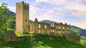 قلعه های رایگان در ایتالیا,قلعه های رایگان ایتالیا,قلعه های زیبا و قدیمی ایتالیا,مکان های تاریخی رایگان ایتالیا,قلعه های ایتالیا