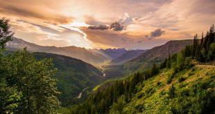 طبیعت بی نظیر کانادا,طبیعت کانادا,یخچال هابرد,منطقه یلونایف در کانادا,پارک ملی کوه های تارنگت کانادا,جاذبه های گردشگری کانادا,دیدنی های کانادا