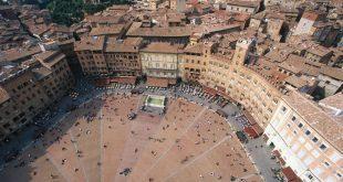 میدان پیازا دل کامپو,میدان پیازا دل کامپو در ایتالیا,بناهای بسیار زیبا ایتالیا,سفر به ایتالیا,دوران قرون وسطی ایتالیا,اثار هنری میدان پیازا دل کامپو